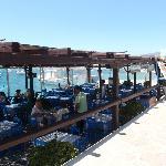 vue depuis le port ouvert sur la mer
