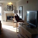 flatscreen tv & Fireplace.
