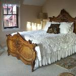 Beautiful bed and linens