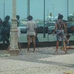 Children-girls from favelas on front of restaurant's window-terrible experience for s hotel gue