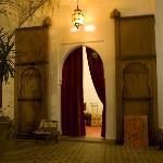 Puerta del salón