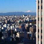 unblocked view of Mt Fuji on a clear day