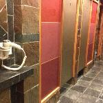 Sare bathroom