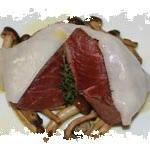 filetto di manzo con lardo di patanegra e pioppini