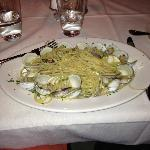 linguini and clams just served