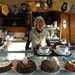 Heni and her wonderful cakes
