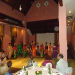 Danzas laosianas en el comedor