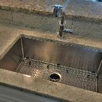 Au courant kitchen sink