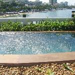 Jacuzzi overlooking the bay from the Point