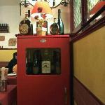 simpatica vetrinetta porta alcolici