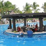 Pool Bar Happy Hour between 11-1 ONLY :(