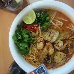 Mii & U seafood laksa