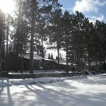 Guest enjoy immediate access to the lake, snowmobile trails and ice fishing