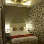 Smart decor but smallish room