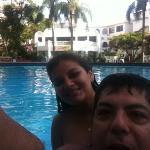 Gisse y yo en la piscina.. que rica agua