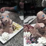 Amazing icecream sculpture of a beaver :)