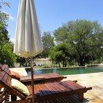 zicht vanaf zwembad naar de Olifantsrivier