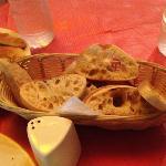 Pan para acompañar la salsa de tomate de los Polpettes