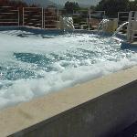 Der Pool ist voll mit Chemie
