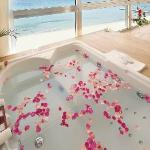 Executive Panoramic Suite - In room Jacuzzi