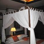 free standing kingsize bed with mosquito net