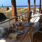 Frühstück auf dem Balkon..