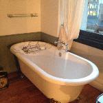 Super-nice bathtub