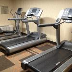 Small fitness room with CV equipment