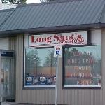 ‪Long Shot's Sports Cafe‬