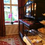 Buffet area, with a view to a nice garden
