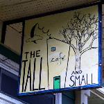 The Tall and Small Cafe Foto