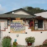 Main Street Garden Restaurant