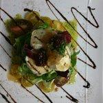 Una de las ensaladas del menú... la de queso de cabra