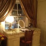 Room - Dressing Table area