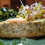 Torta di tofu, porri e germogli di soia