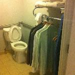 bath/closet
