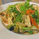 Stir-fried chicken with mixed veggies