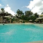 piscina idromassaggio e angolo bar