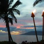 Tiki lanterns give a touch of Aloha