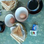 Frühstück für Zwei .... etwas mau, aber der Kaffee war ok