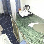 La scrivania dell'hotel