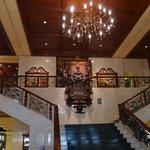 Very nice lobby (old world)