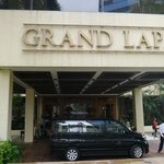 Grand Lapa front entrance