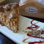 Caramelised pecan and dulce de leche cheesecake