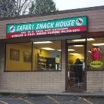 ‪Safari Snack House & Grill‬