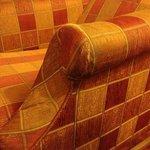 Etat lamentable des fauteuils du bar