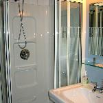 Queen Suite shower area