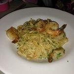 shrimp pasta with garlic sauce