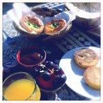 encore un petit déjeuner délicieux sur la terrasse ...