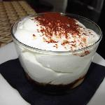 Capuccina;gelatina café,espuma choco blco y helado avellana